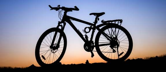 Bici in ombra noleggiata da Lussari sport